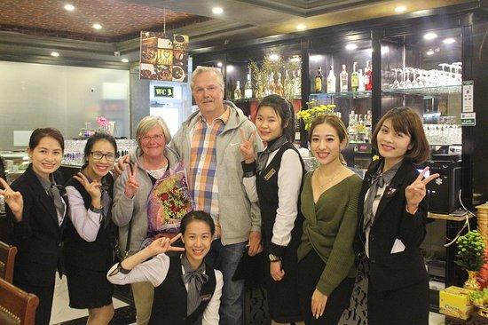 3Vins Restaurant & Wine Bar: Friendly Staff