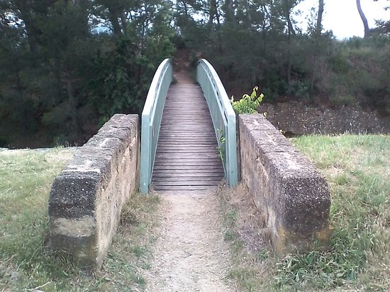 Eglise Saint-Etienne: Pont