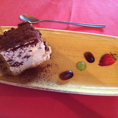 Kellenhusen, Γερμανία: Was wäre ein italienisches Menü ohne ein leckeres Tiramisu!