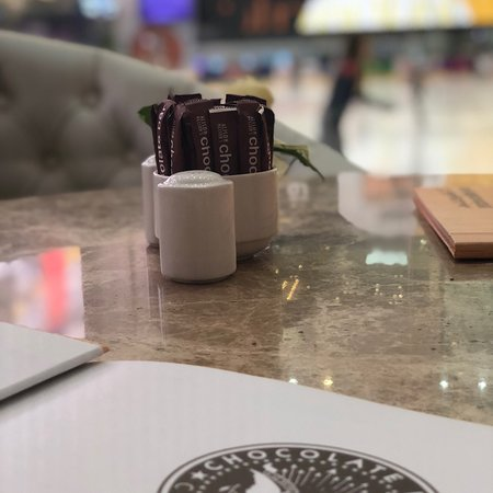 Alison Nelson Chocolate Bar Φωτογραφία
