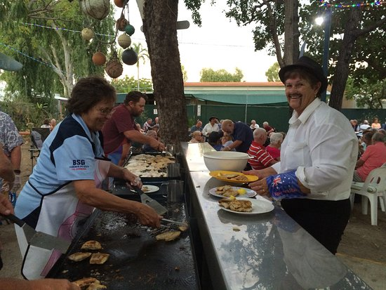 Karumba Point Tourist Park: Peak Season weekly FREE FISH BBQ enquire at park for date