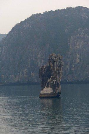 Halong Bay: Northern passage from South China Sea