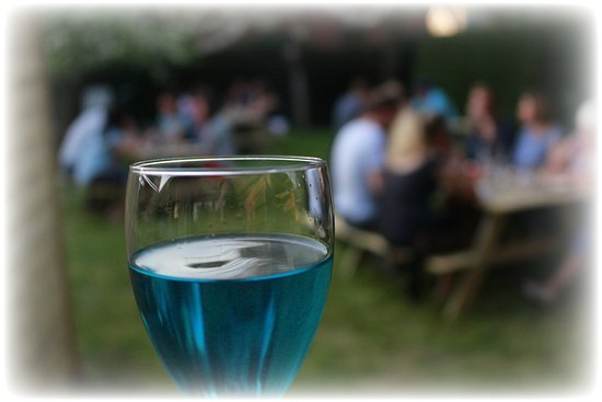 Le Gout Soiree: Nice sweet discovery, blue (yes really blue) cava !