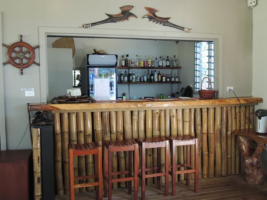 Tavewa Island, Fiji: The Bar