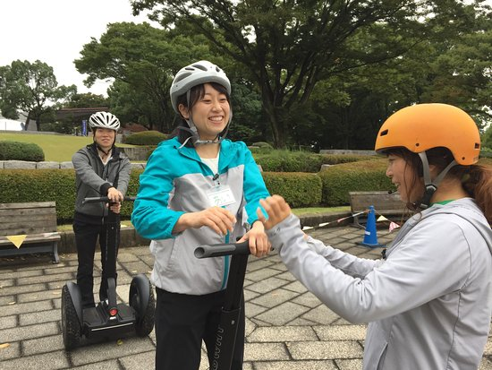 Segway Guided Tours in National Showa Memorial Park: 出発前の練習も楽しく安全に行います!