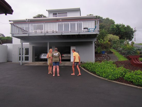Leigh, New Zealand: beautiful home Penny and Ross
