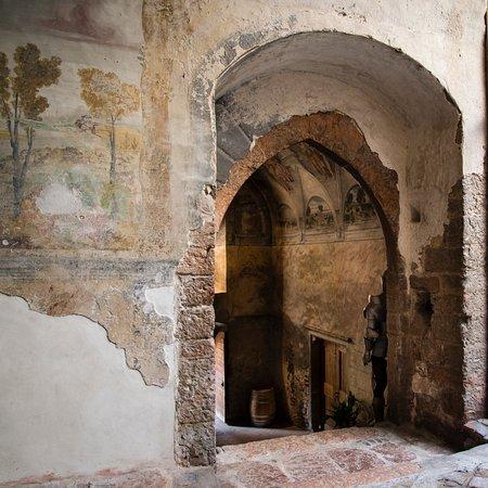 Nogaredo, Italie : Castel Noarna -Vista sullo scalone