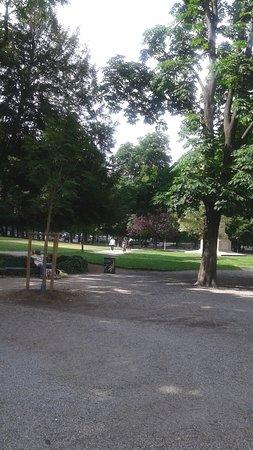 Giardini Pubblici Indro Montanelli: l'ingresso ai giardini