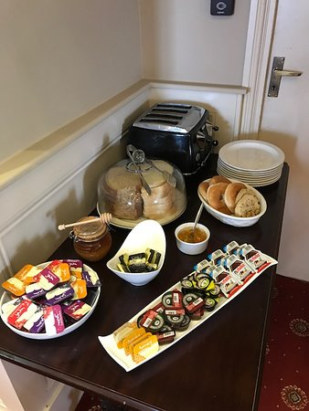 Чидл, UK: Continental Breakfast