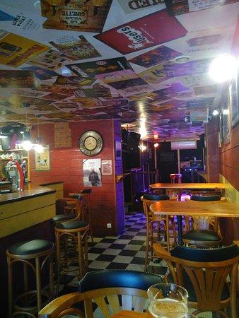Le Palais, France: Le bar