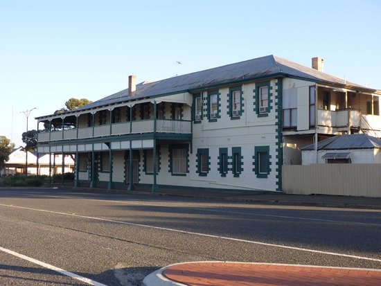 Norseman Hotel: Lovely Old Pub