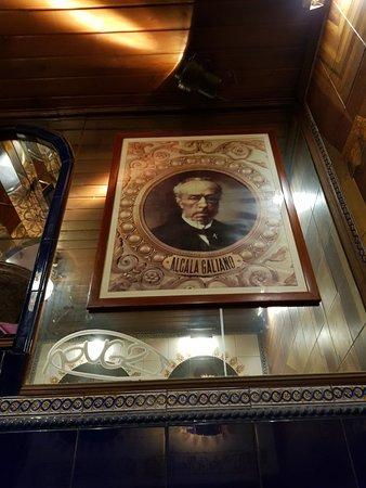 La Fontana de Oro: Great pub