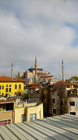 Gul Sultan Hotel: Hagia Sophia/view from the rooftop