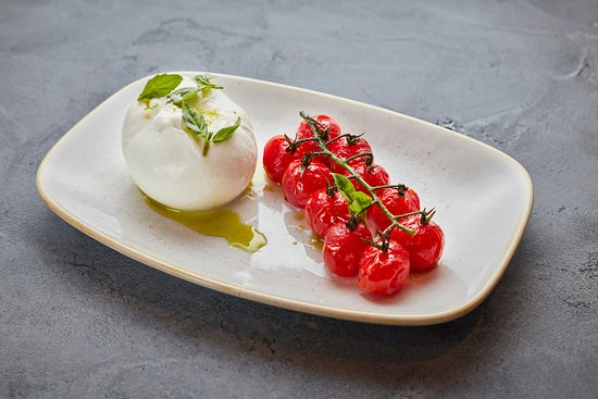 The Levin: Burrata with Confit Tomatoes at The Knightsbridge Metro