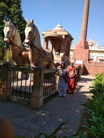 Gita Mandir Temple: Gita Rath - Birla temple