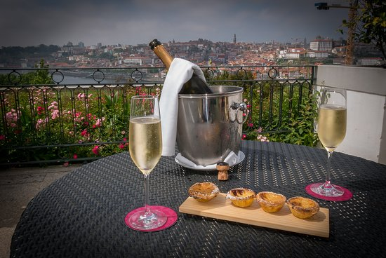 The Yeatman: sparkling wine at the terrace on room no. 720