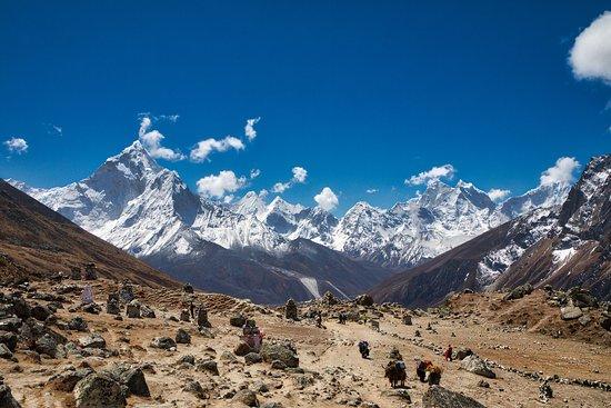 Everest Base Camp Trek: Thukla Pass