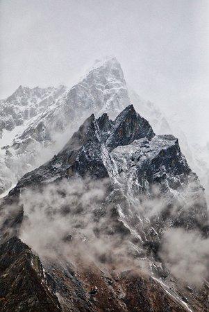 Everest Base Camp Trek: Near Base Camp