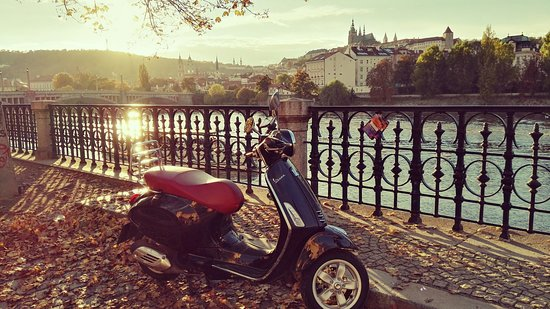 Vespa Story - scooter rental & tours