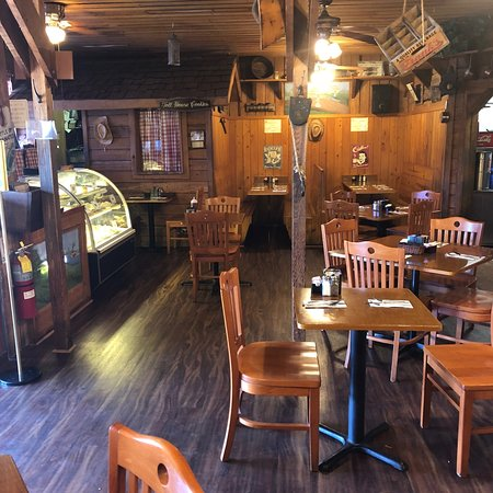 Tom Sawyer's County Restaurant