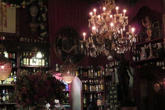 Café de Las Horas: Barraum