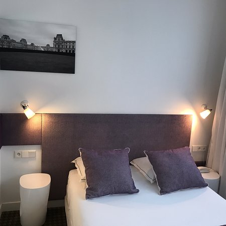 Hotel Mistral: 很棒的飯店,蜜月入住還有貼心禮物,乾淨明亮,樓下還有很漂亮的空間,周邊有超市以及巴士和火車站,交通非常方便。