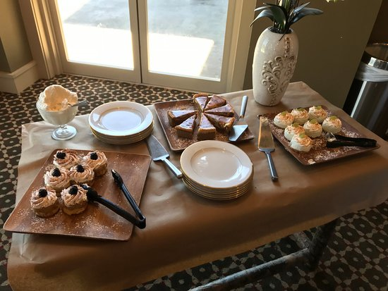 Mountain City, TN: Dessert Table