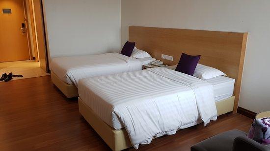 Crystal Crown Hotel Petaling Jaya: Twin bed room