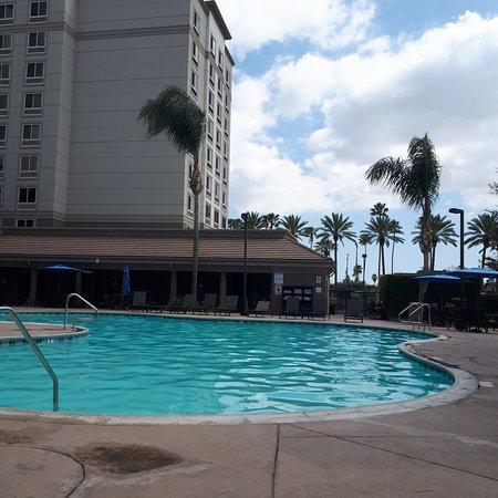 Holiday Inn Anaheim-Resort Area: pool area