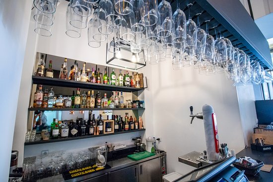 IIIMPAR: Restaurant 16