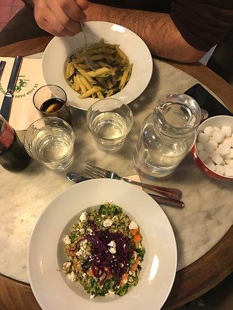Le Loir dans la Theiere: Platos comida