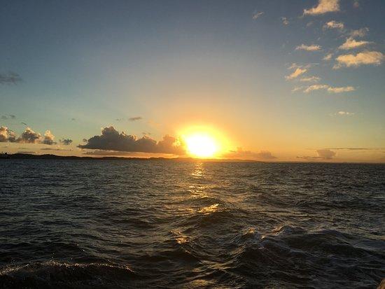 O Guia de Turismo: Pôr do sol na Baía de Todos os Santos.