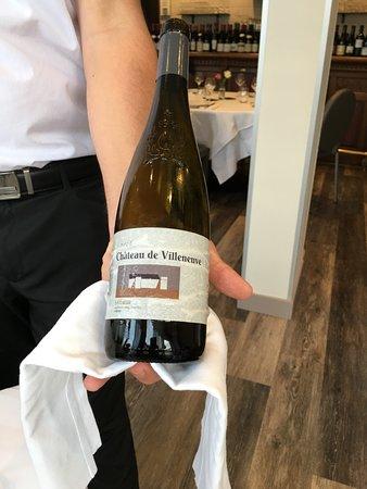 Restaurant la Table d'Hotes: Saumur blanc, château de Villeneuve, une référence telle la carte des vins: qualité et coût mait