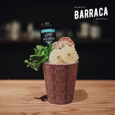 Barraca Rhumerie Montreal: BARRACA BOWL ! Un imposant mix de Prosecco Zonin, de brandy, de rhum, de gin, d'orgeat et de fru