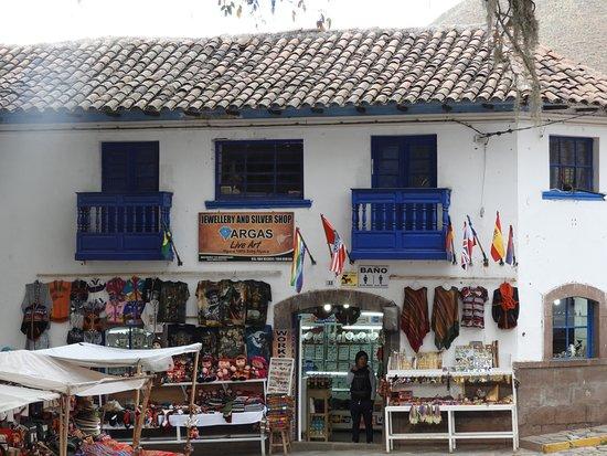 Andahuaylillas, Peru: Market