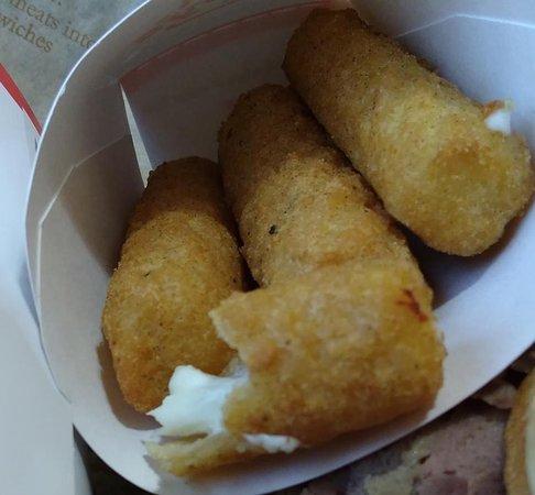 ยาดคินวิลล์, นอร์ทแคโรไลนา: Fried mozzarella was not hot when I received it.
