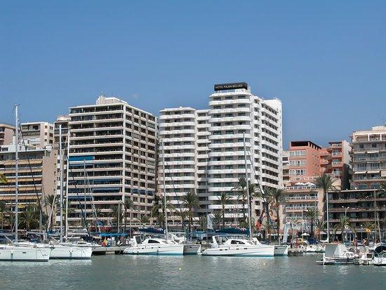 Hotel y exteriores Bahía de Palma