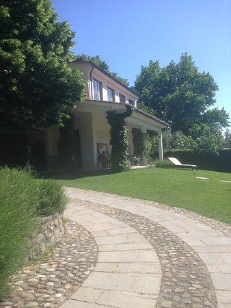 Farmhouse All'Ombra del Tiglio: The garden