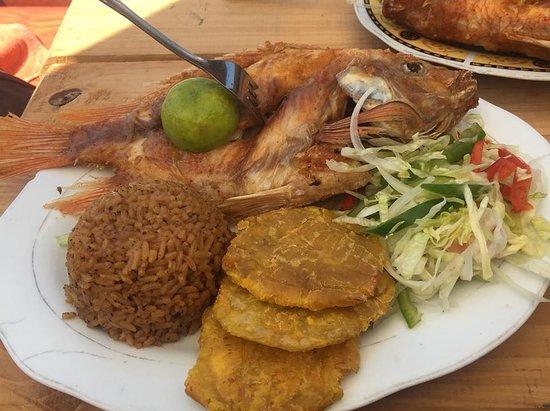 Isla Barú, Colombia: Lunch at Playa Blanca