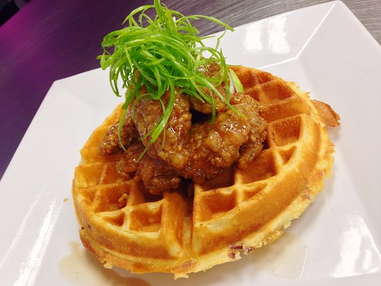Wexford, بنسيلفانيا: Chicken and waffle