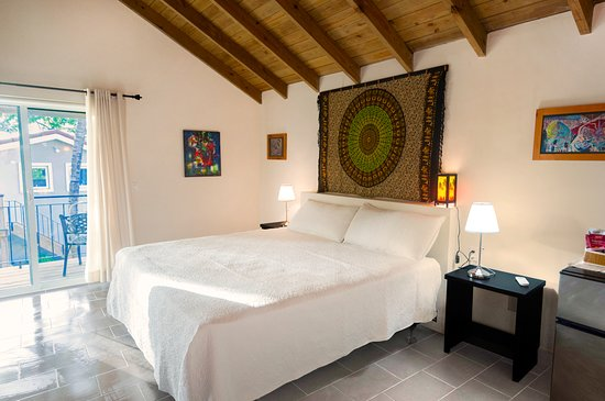Casa Cielo is one of two of our independent suites. Spacious, and perfect for a romantic getaway