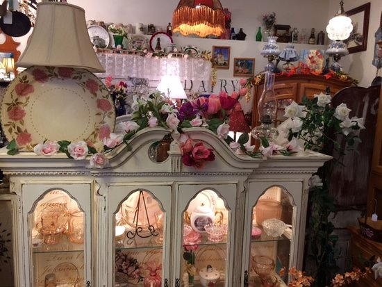 Alice's Vintage Cottage