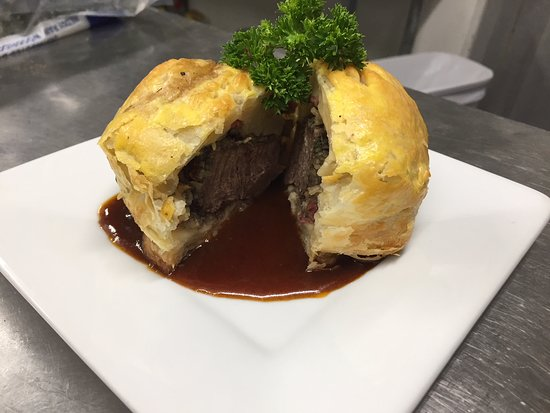 Franklin, NY: Beef Wellington