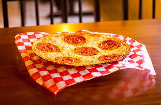 Wings & Burgers: Pizza Gourmet de Pepperoni.