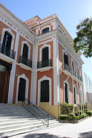 Casa Colon: escaleras de acceso desde la calle