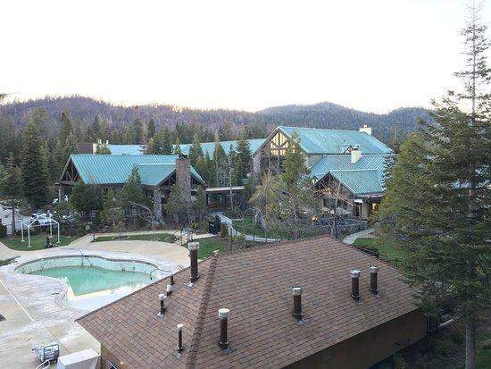 Indoor pool bild von tenaya lodge at yosemite fish camp for Fish camp ca hotels