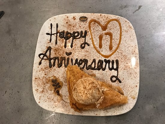 Acropolis Greek Taverna: A very custom, thoughtful and generous gift of the baklava for our anniversary.