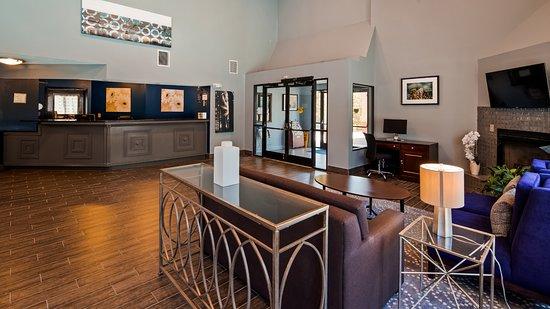 Best Western Butner Creedmoor Inn: Lobby Lounge / Sitting Area