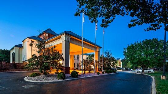 Creedmoor, NC: Exterior View of Hotel