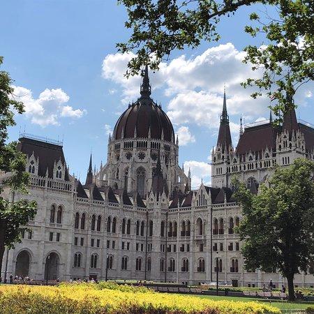 Κοινοβούλιο: Parlamentsgebäude (Országház)